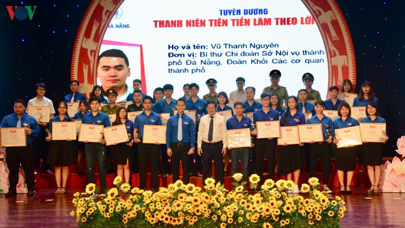 Da Nang honors outstanding youngsters following Uncle Ho's teachings