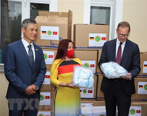 Vietnamese in Berlin organize charitable activities
