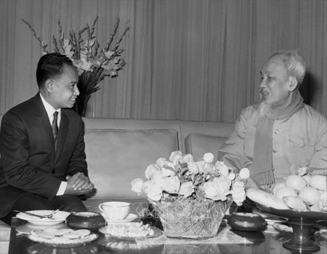 Vietnam, Cambodia foster relations