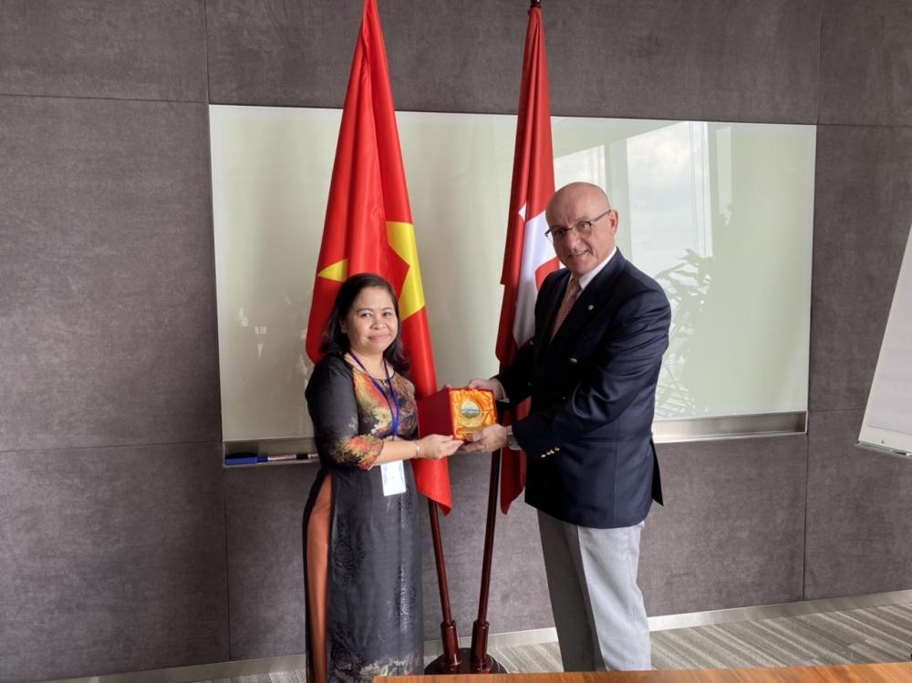 Vietnam, Switzerland strengthen people-to-people exchanges