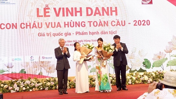 Winners of Vietnam Ancestral Global Day Contest honoured