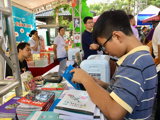 Activities for children at book street during summer