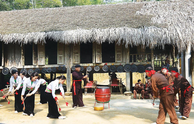 Continuing to preserve and promote traditional cultural values of ethnic minorities