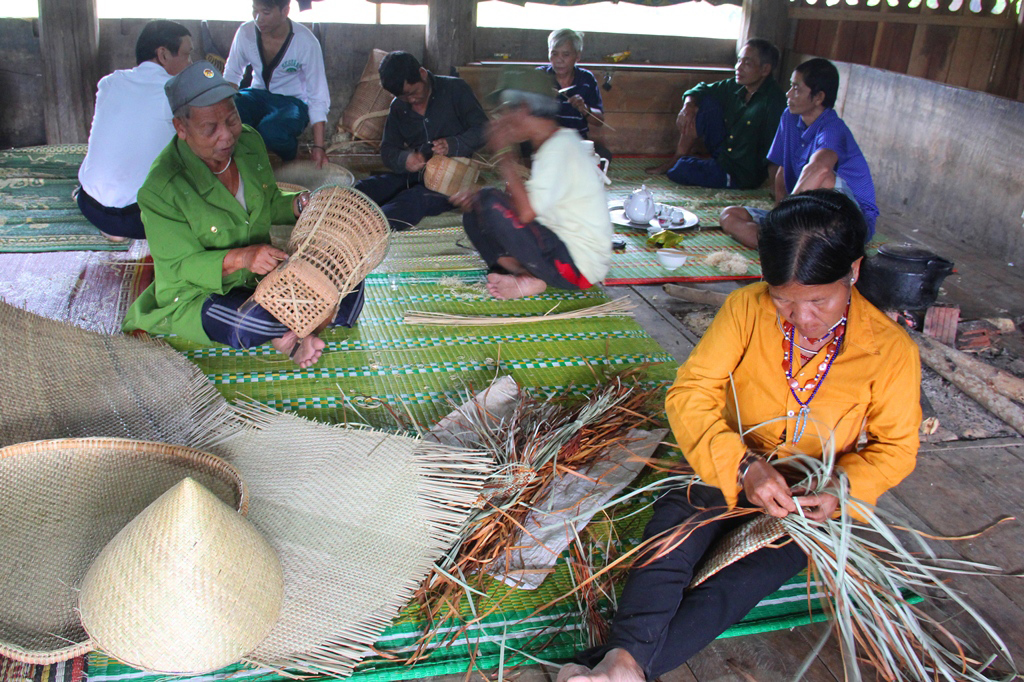 Co Tu ethnic weaving craft to be introduced