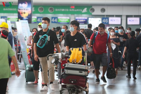 Nearly 80,000 tourists remain stranded in Da Nang