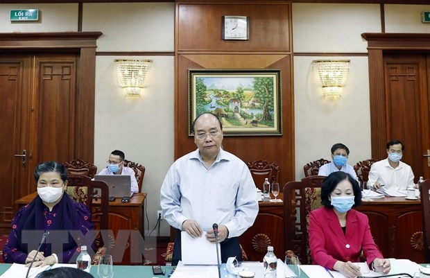 Politburo continues to work with centrally governed Party Committees