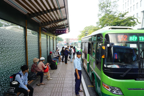 UK supports Ho Chi Minh city applying public transport smart ticket system