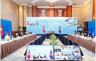 ASEAN economic ministers hold consultations with partners