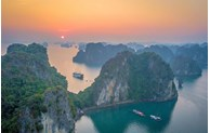 Foreign travel website suggests Ha Long Bay as stunning sunrise place