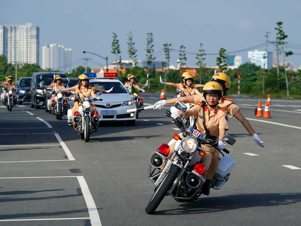 Specialized female motorcycle squad of Ho Chi Minh City Police makes debut