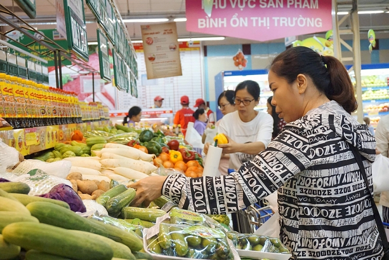 Saigon Co.op shares spending pressure with consumers
