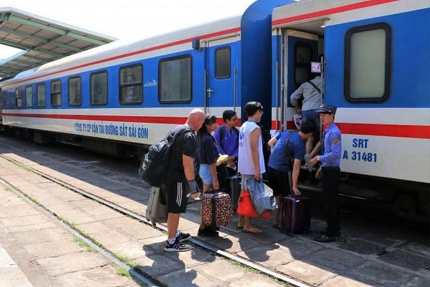 More trains increased between Ho Chi Minh city and Nha Trang
