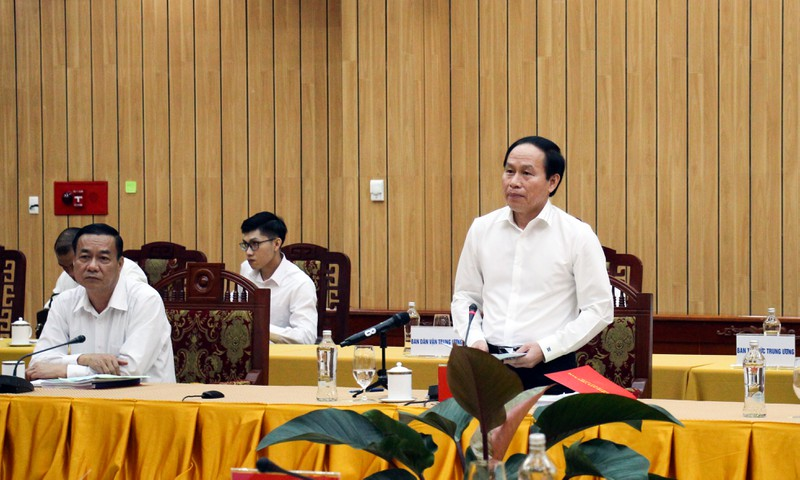 Hau Giang well prepares draft documents for Party Congress