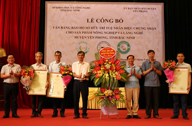 Bac Ninh: Three agricultural products issued certificates of intellectual property