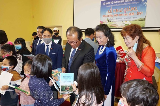 Vietnamese language class opens in Czech Republic