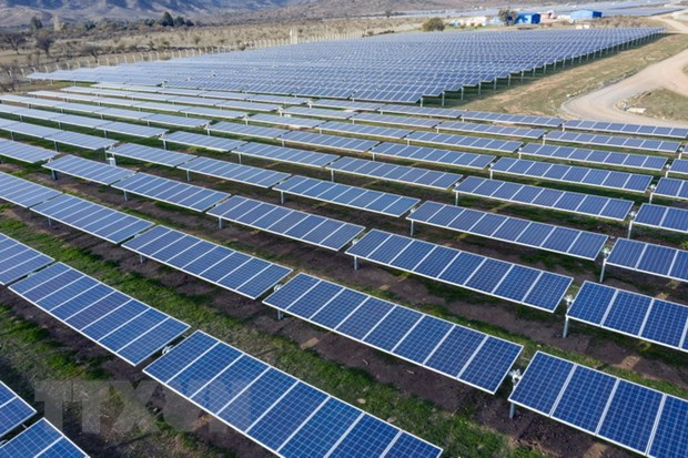 Vietnamese company joins solar power projects in Laos