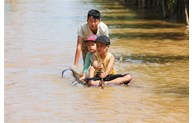 Kazakhstan, Palestine send sympathy to Vietnam over flooding
