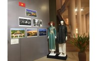"""Exhibition """"Traditional costumes of ASEAN countries 2020"""" opens in Hanoi"""