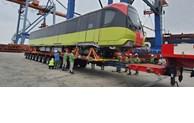 First train cars for Nhon – Hanoi Station route arrive in Hanoi