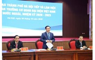 Strengthening diplomatic support and coordination with Hanoi