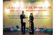 First prize of writing contest on Hanoi presented to Palestinian contestant