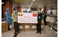 Vietnam continues to present medical supplies to Myanmar