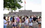 Foreign tourists to Vietnam rise sharply in first month of 2021