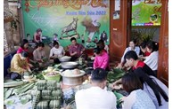 Vietnamese expats in Laos preserve traditional Lunar New Year