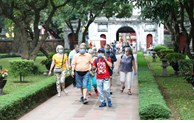 "Hanoi provides information to tourists via ""hotline"""