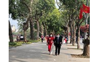 Hanoi welcomes 122,000 tourists during Tet