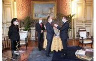 Vietnamese Ambassador in Paris receives French honour