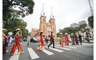 HCM city: Popular tourist attractions promoted on social media and networks