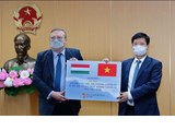 Vietnam receives COVID-19 vaccine and rapid test kits from Hungary