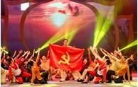 Art performance marks 67th anniversary of Hanoi Liberation Day