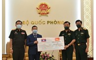Vietnam assists Lao Defence Ministry with medical supplies