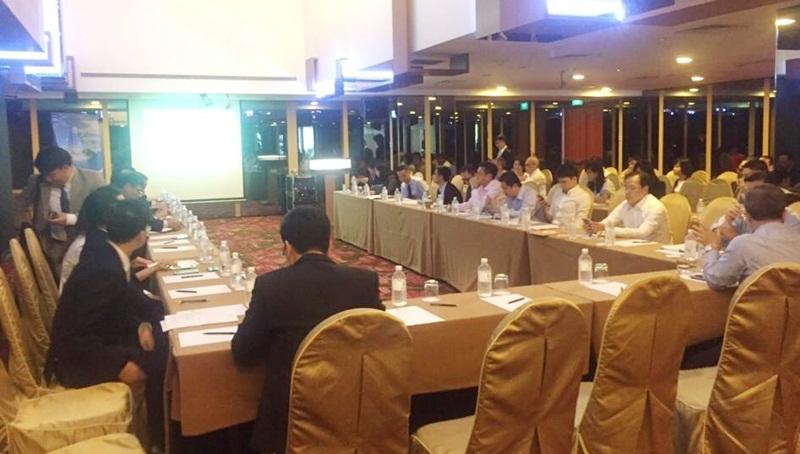 Colloque sur la promotion de l'investissement dans la province de Quang Ninh à Singapour