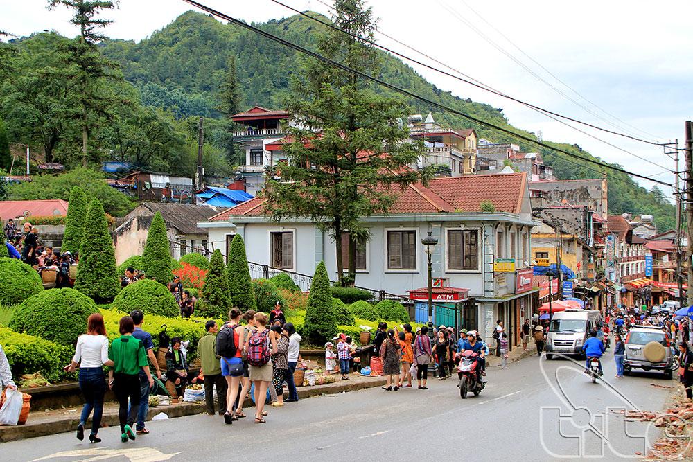 Lao Cai table sur 2 millions de touristes en 2016