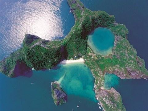 Quang Ninh: Escale à l'île de l'Œil du dragon