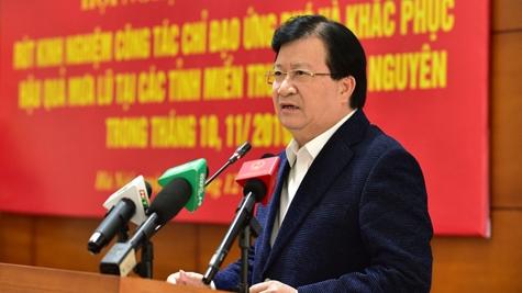 Le vice-Premier ministre Trinh Dinh Dung: se préparer pour mieux faire face aux événements climatiques