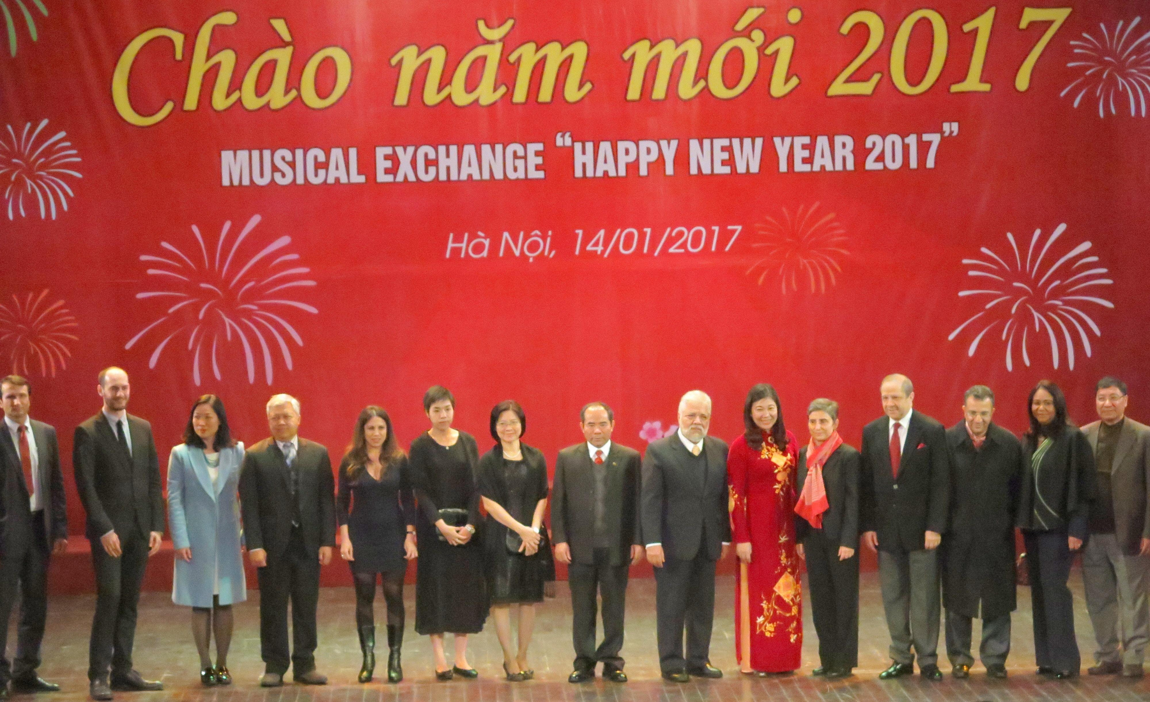Spectacle musical et d'échange artistique international pour saluer Nouvel An 2017