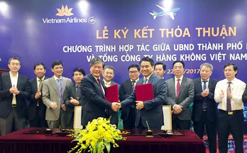 Hanoi et Vietnam Airlines coopèrent dans la promotion du tourisme