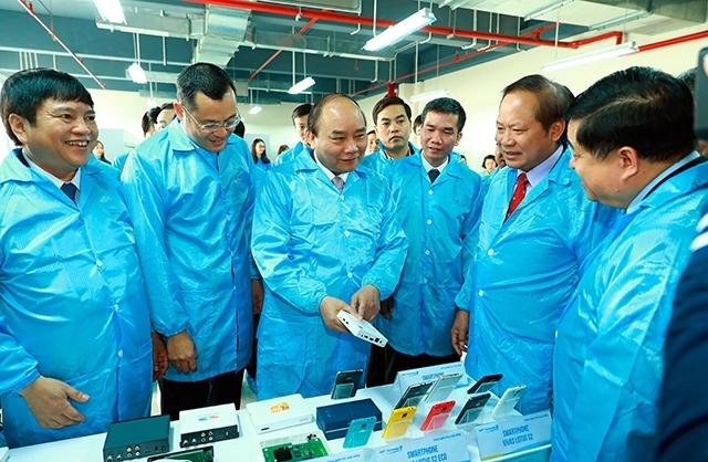 Le Premier ministre Nguyen Xuan Phuc au technopôle de Hoa Lac