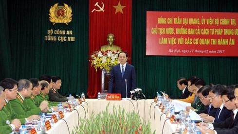 Le chef de l'État vietnamien: Il faut garantir l'application stricte de la loi