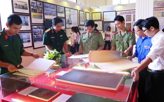 Bac Liêu: Exposition d'archives sur Hoàng Sa et Truong Sa