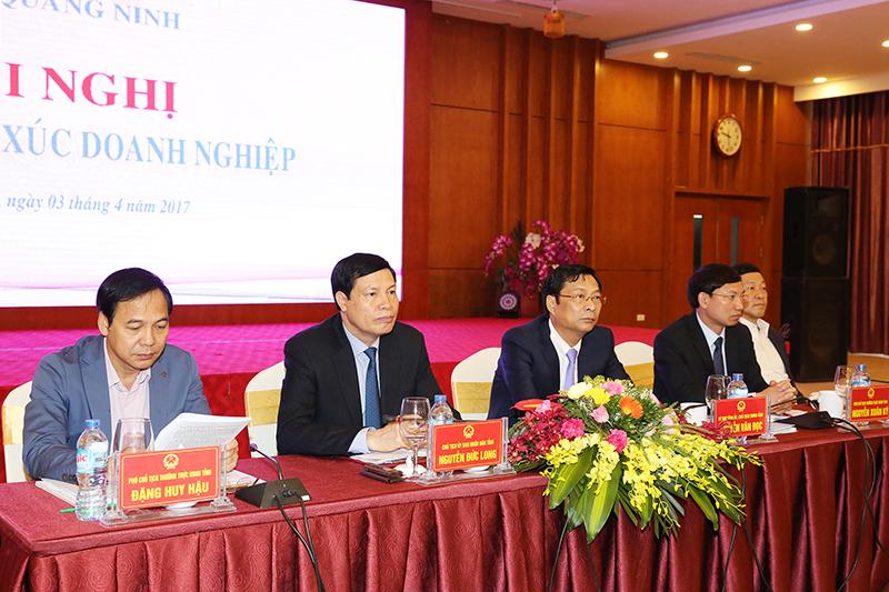 Quang Ninh: dialogue entre les dirigeants provinciaux et plus de 600 entreprises