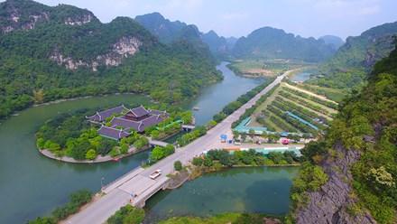 Le complexe paysager de Trang An vu de drones