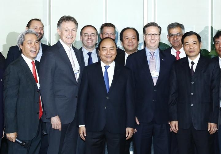 Le PM Nguyên Xuân Phuc termine sa participation au WEF - ASEAN-2017
