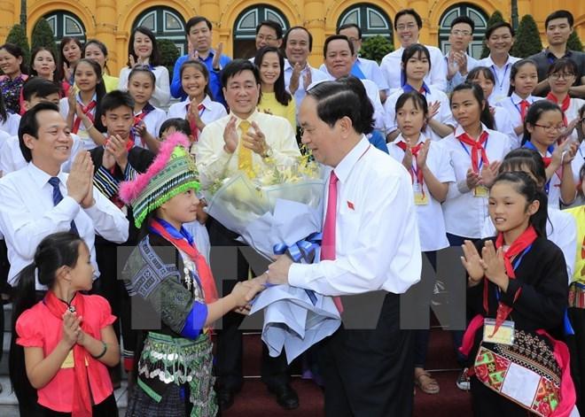 Le président Trân Dai Quang reçoit des enfants en situation difficile