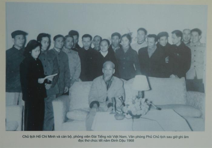 Président Hô Chi Minh et la presse révolutionnaire vietnamienne
