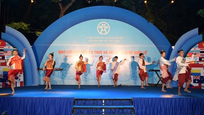 Hanoi: échange gastronomique avec les amis étrangers